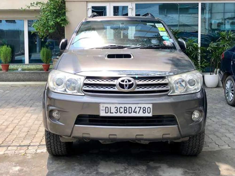 Toyota Fortuner Front Left Rim