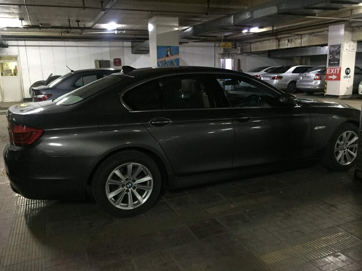 Bmw 5 Series Rear Left Side Angle View