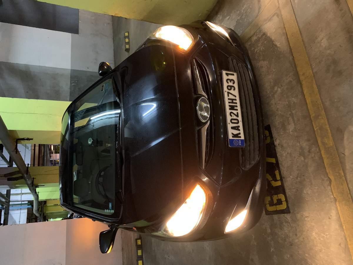 New Hyundai Verna Rear Right Side Angle View