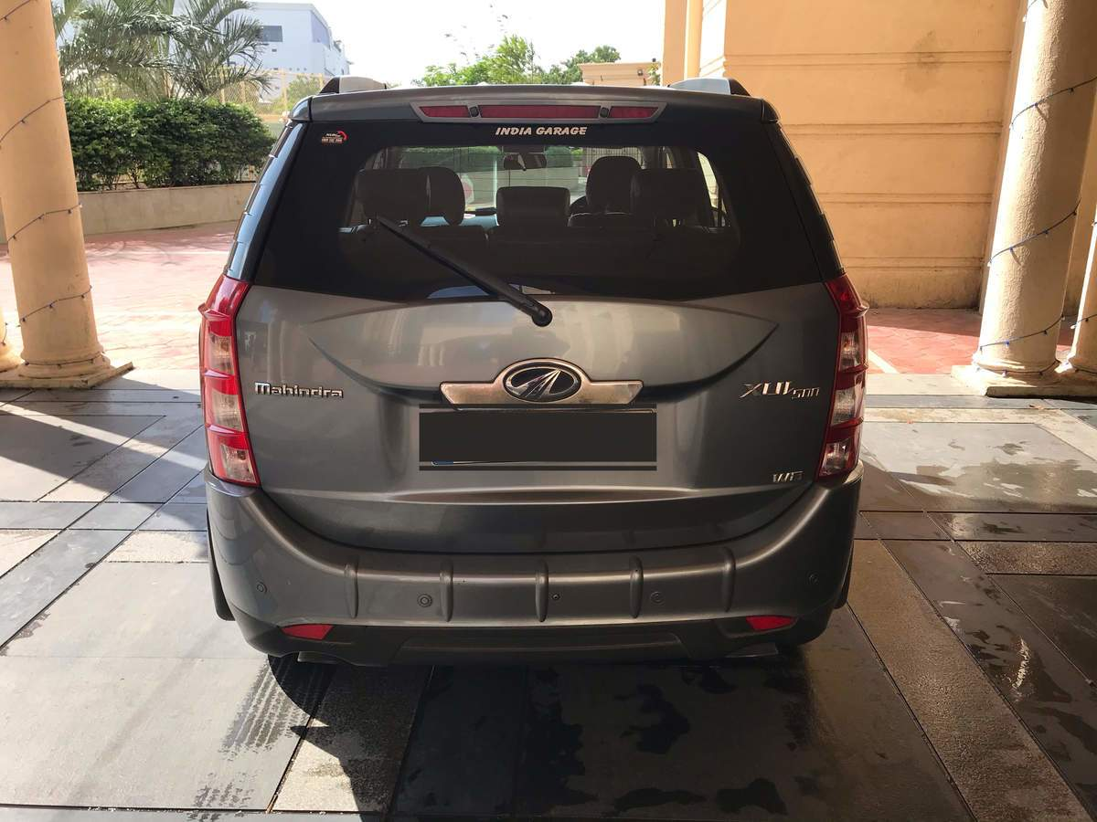 Mahindra Xuv500 Rear View