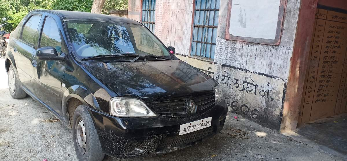 Mahindra Renault Logan Left Side View