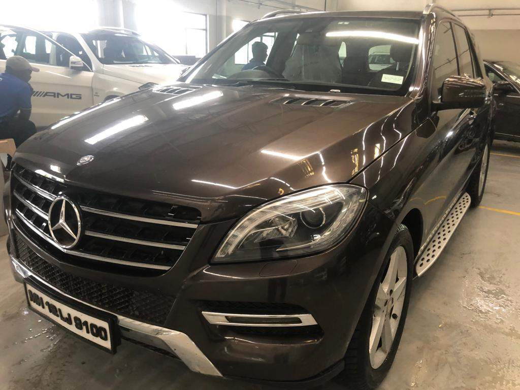 Mercedes Benz M Class Left Side View