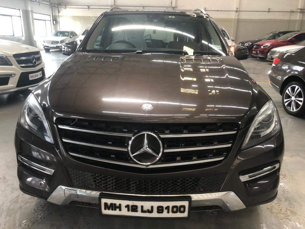 Mercedes Benz M Class Rear Left Side Angle View