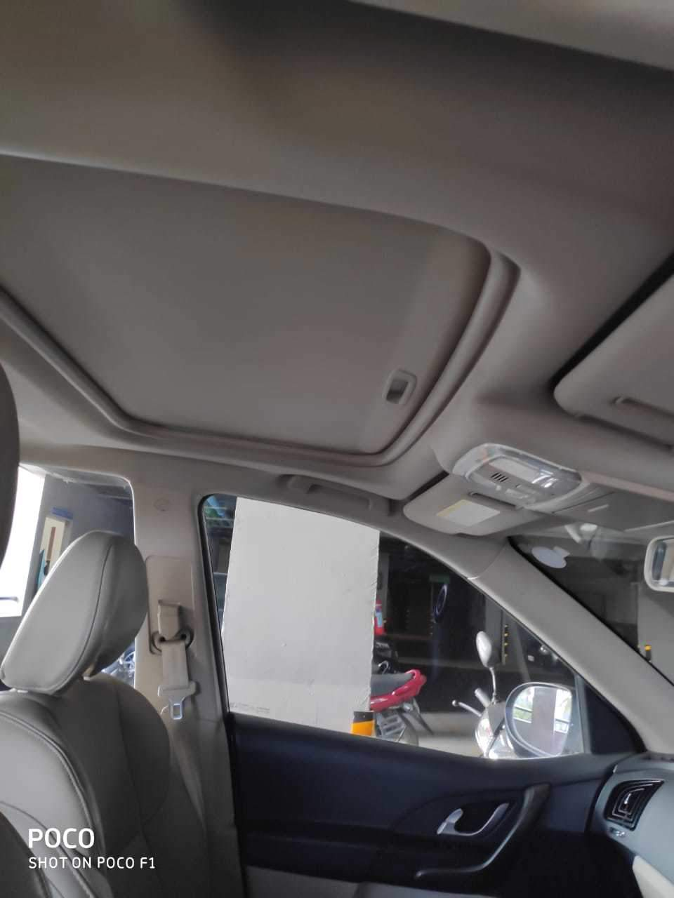 Mahindra Xuv500 Rear Right Side Angle View