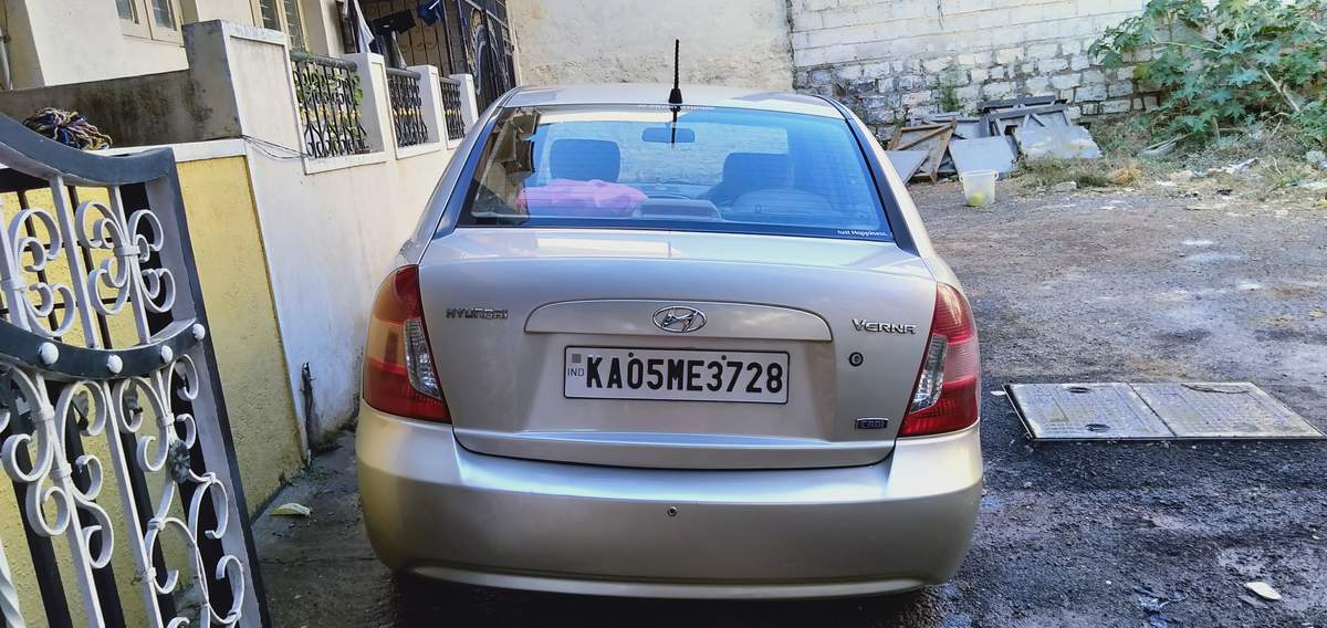 Hyundai Verna Rear Left Side Angle View
