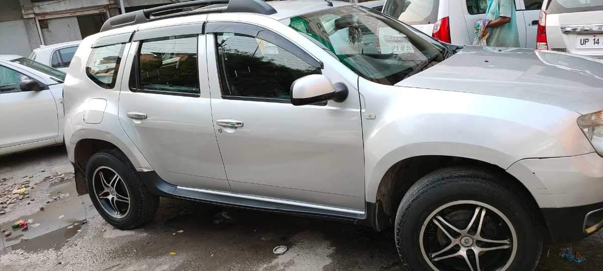 Renault Duster Rear Left Side Angle View