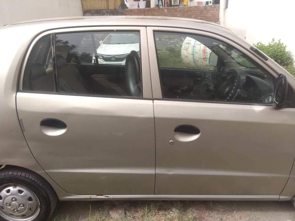 Hyundai Santro Xing Rear Right Side Angle View