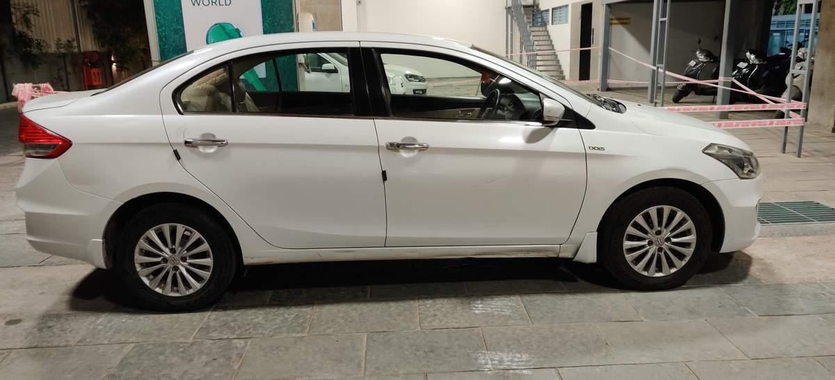 Maruti Suzuki Ciaz Rear Right Side Angle View