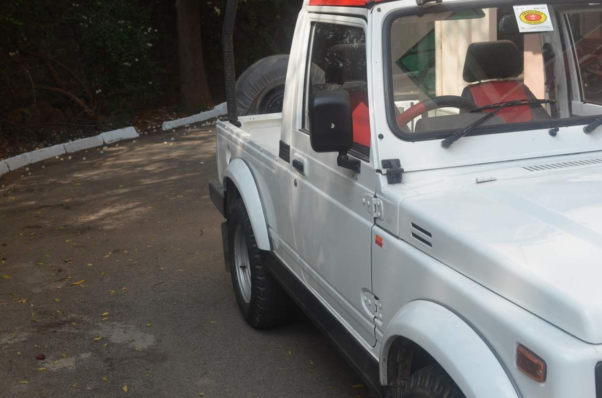 Maruti Suzuki Gypsy Rear Right Side Angle View