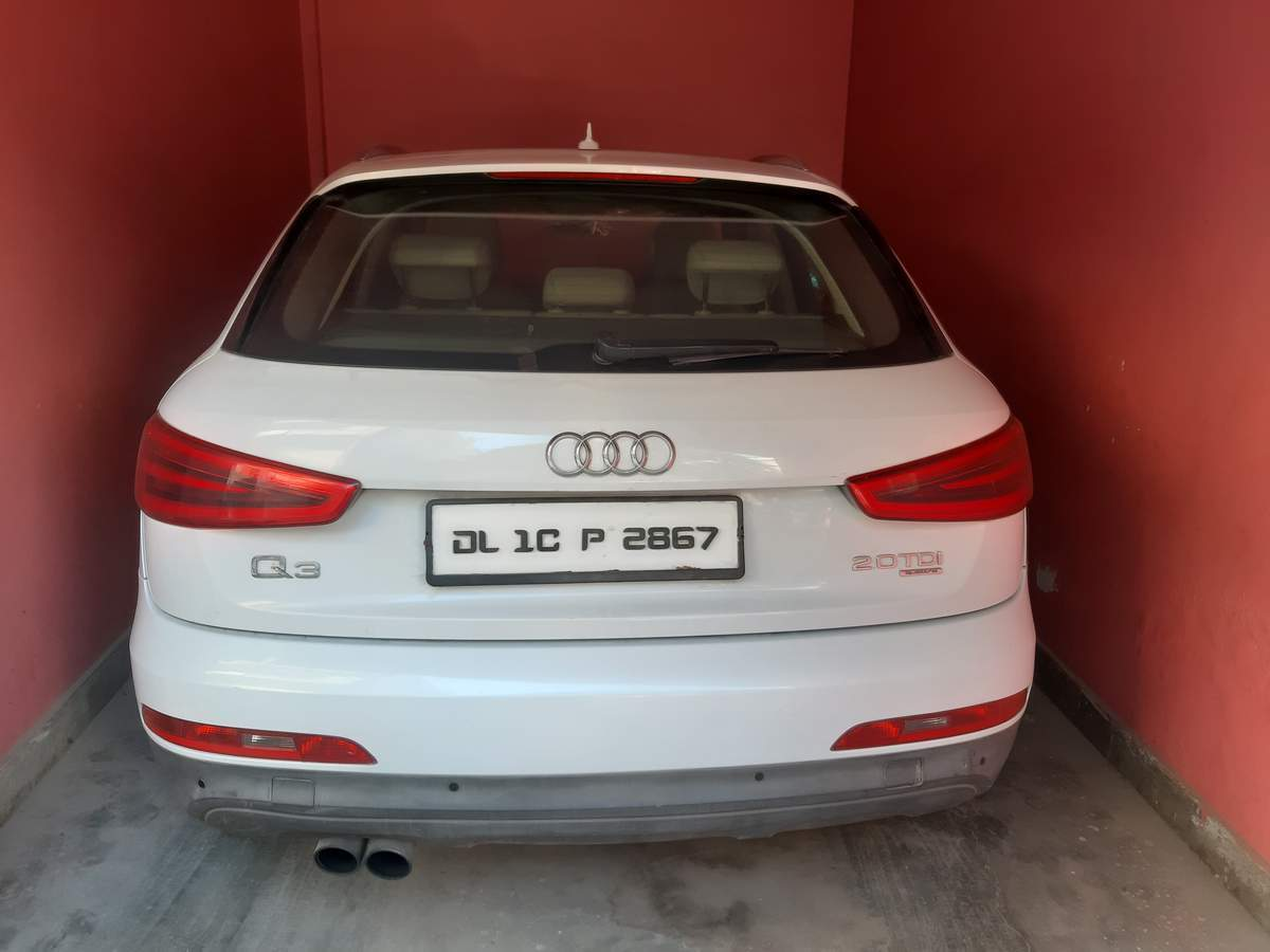 Audi Q3 Front Right Side Angle View
