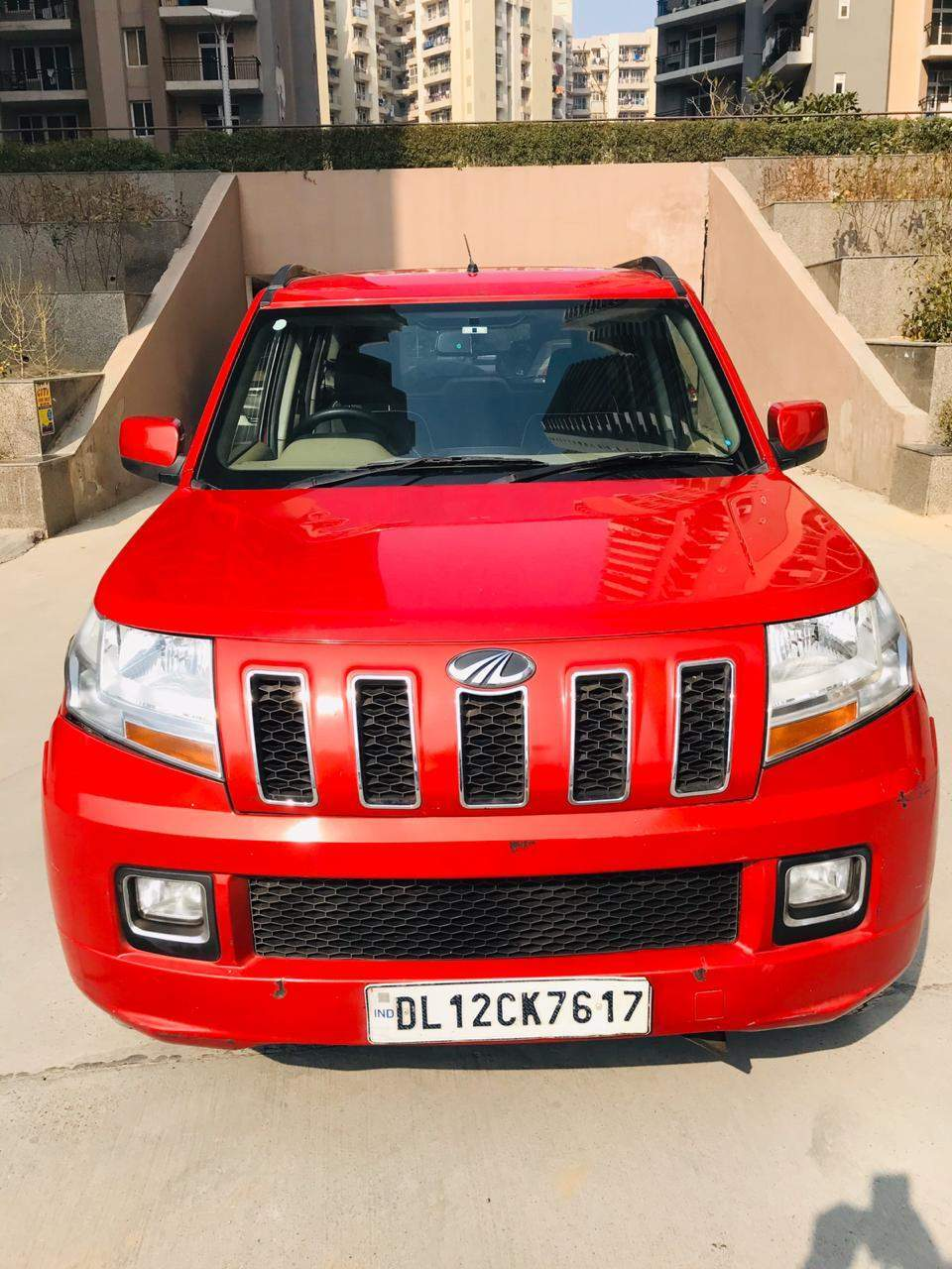 Mahindra Tuv300 Left Side View