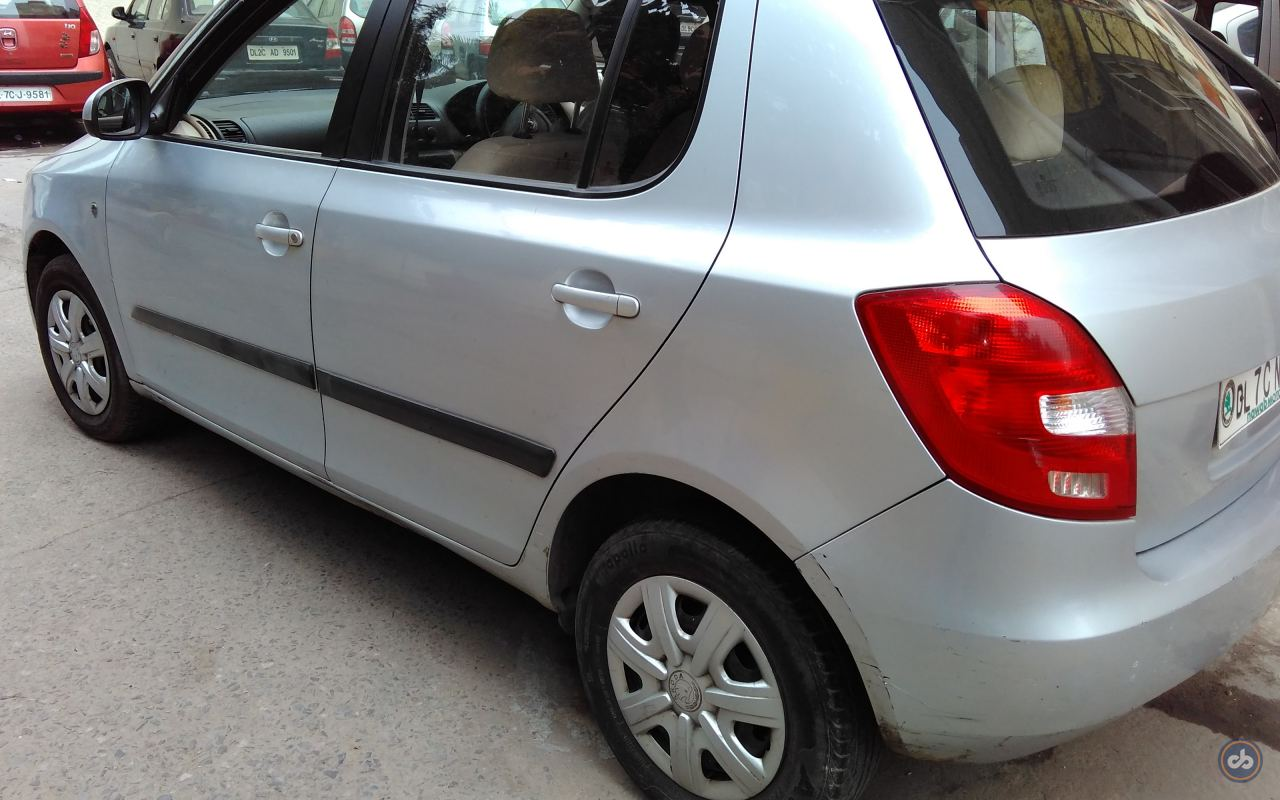 used skoda fabia 1 2 active petrol in east delhi 2011. Black Bedroom Furniture Sets. Home Design Ideas