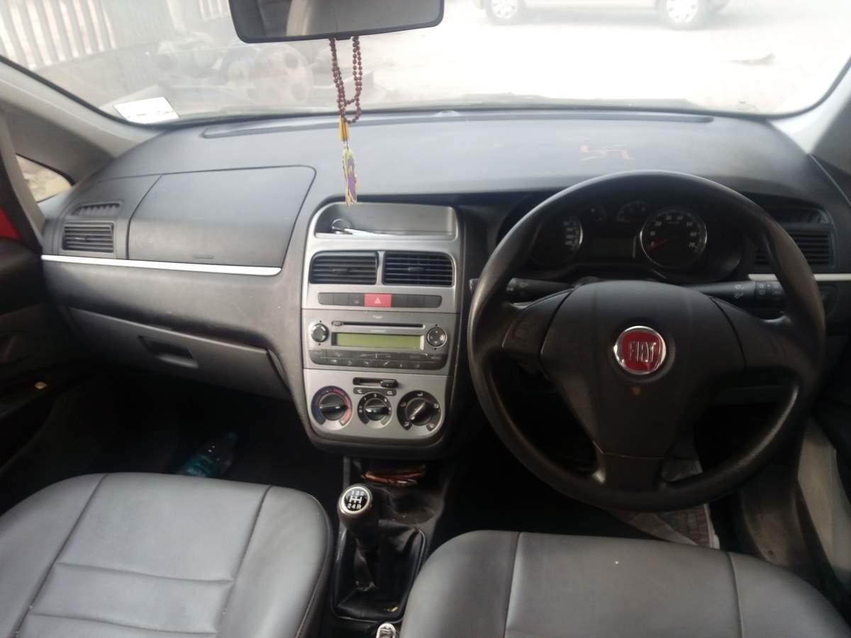 Fiat Grande Punto Left Side View