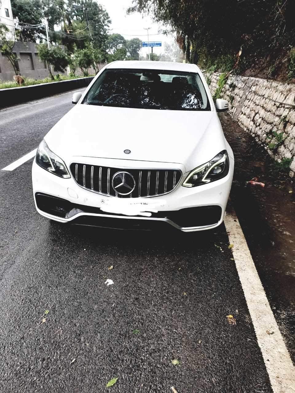 Mercedes Benz E Class Left Side View