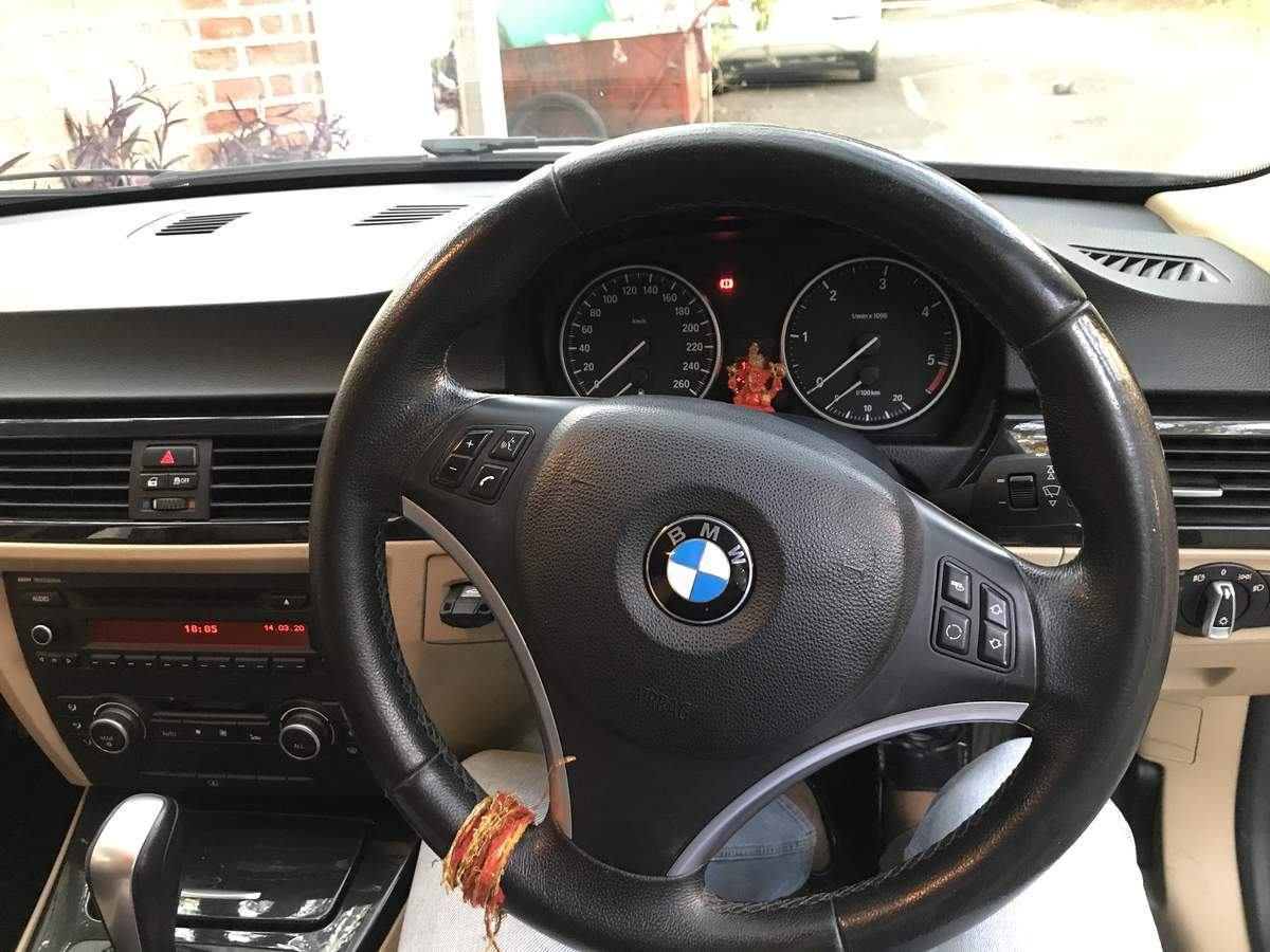 Bmw 3 Series Front Right Side Angle View